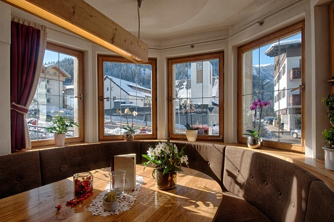 foto hotel corvara in Val Badia