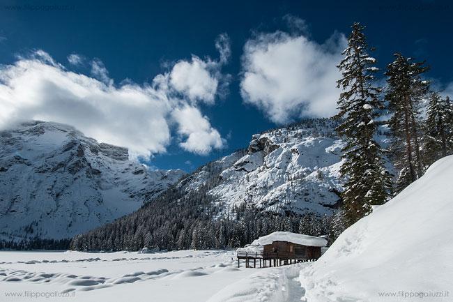 inverno lago di braies val pusteria dolomiti